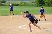 Elisa pitching in the final game of the season