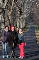 Oma & the Girls at Tyler Park